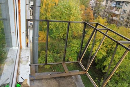 Застеклить балкон с выносом цена Киев 3