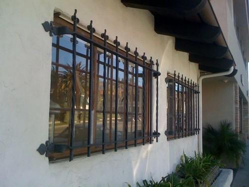Установка решеток на окна цена 1