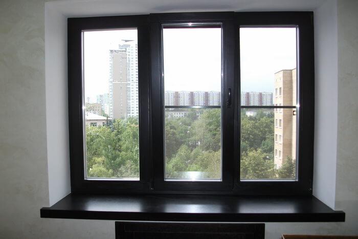 Черные пластиковые окна